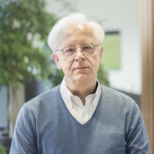 ANDREAS HÜBLER